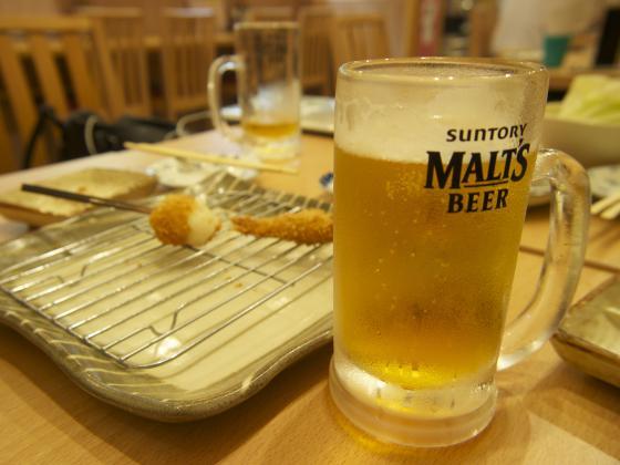 ビールと串カツ
