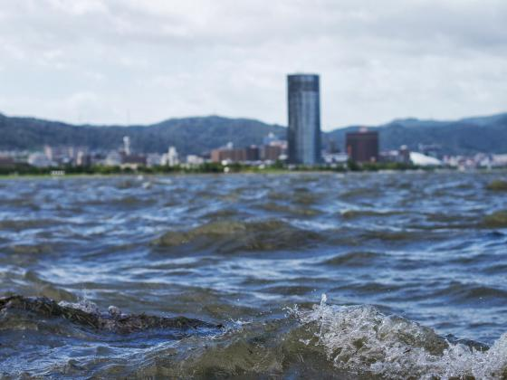 荒れ狂う琵琶湖