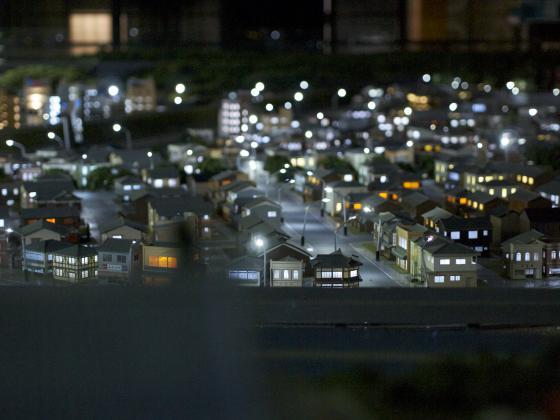 夜を表現した町並み